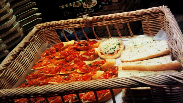 Bruschetta & Garlic Breads