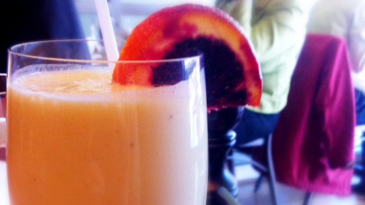 Coconut / Banana / Mango Fresh Fruit Smoothie