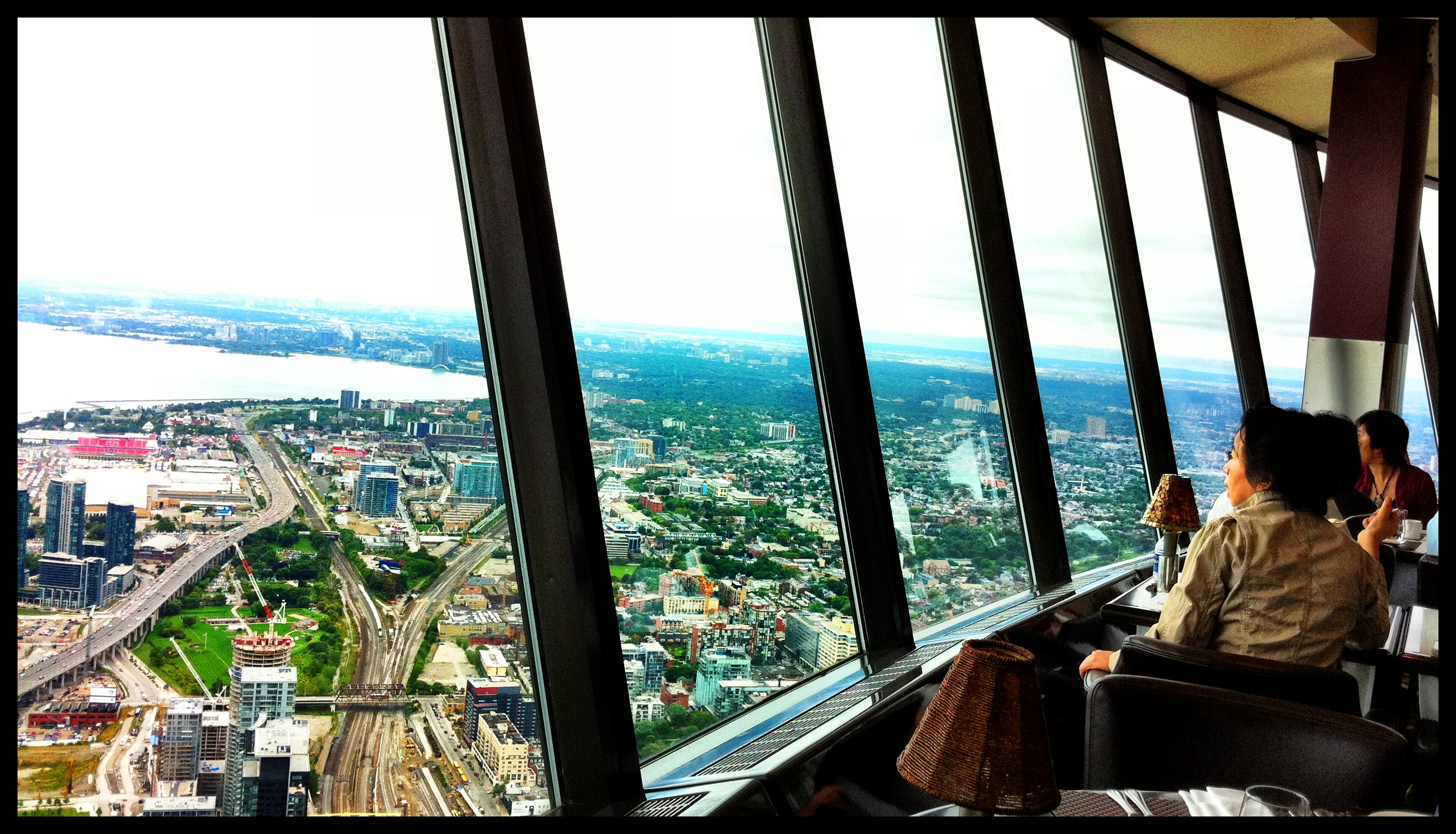 Dining 101 Toronto 360 At The Cn Tower Carrie Lee C
