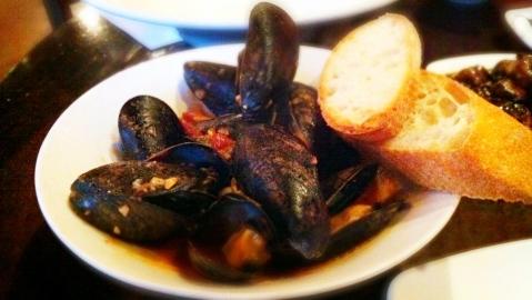 Bravas Mussels