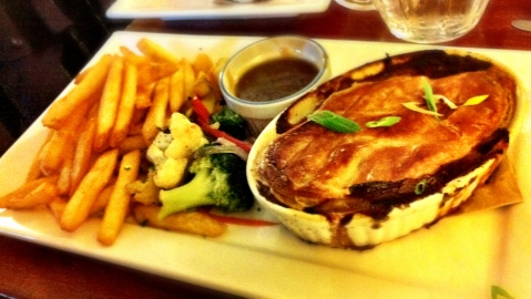 Chicken Pot Pie w/Fries